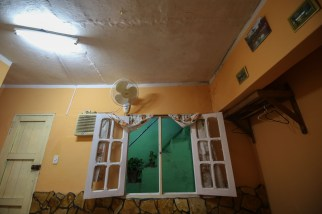 Cuba_hallway_livingroom_8