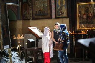 three-girls-church-tbilisi-georgia