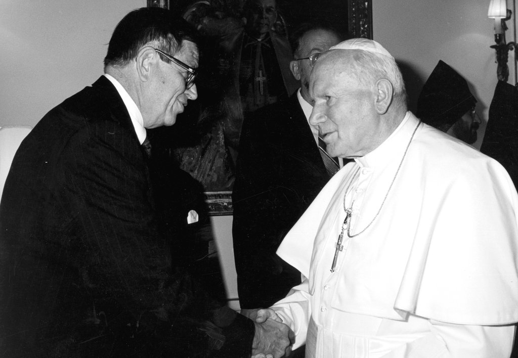 colson-with-john-paul-ii-in-1998