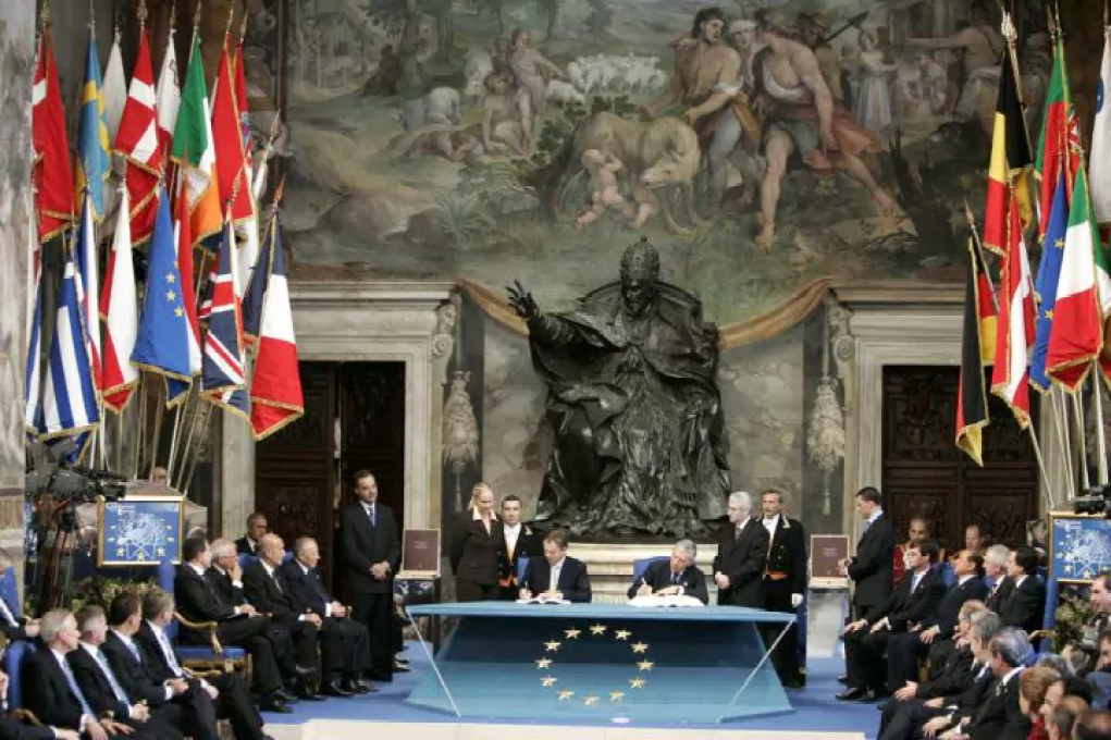 blair-signs-eu-const-in-rome