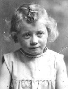 Suzanne Berliner (Weiss) 1945