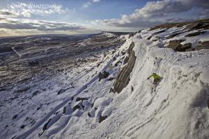 Skiing Wall End Slab at Stanage  © Lukasz Warzecha