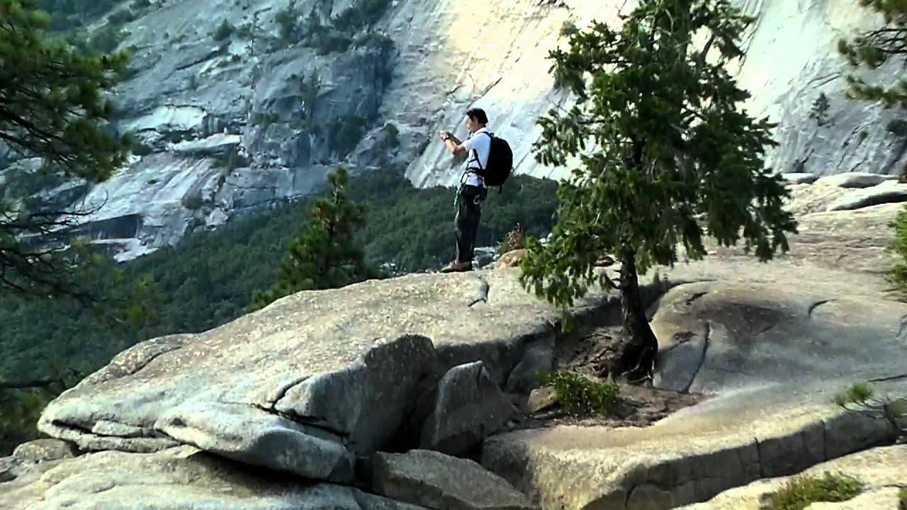 ハーフドームへの登山ルートにあるネヴァダ滝の真上にいます。 #ヨセミテ国立公園 観光 #Yosemite #followme