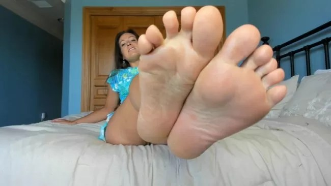 Your Fat Ass Mother Is Hosting A Party I Snuck Up Into Your Bedroom To Reminisce On Old Times Remember How You Used To Rub And Sniff My Feet