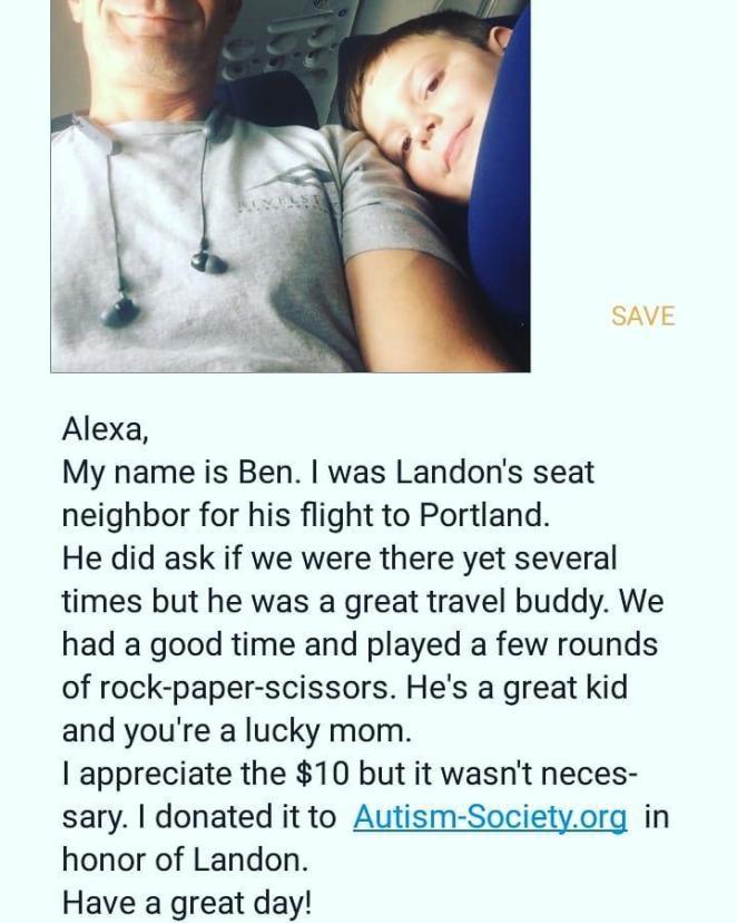 Мать, посадившая сына-аутиста одного на рейс, получила это фото