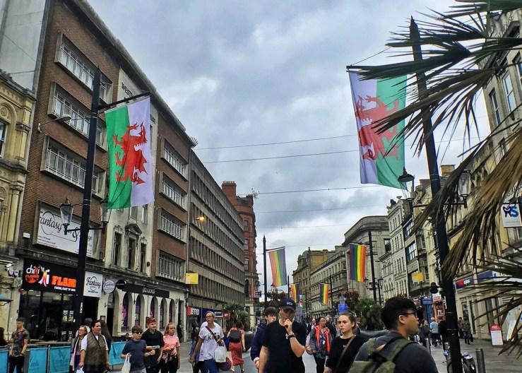卡迪夫Cardiff:中央火車站(Cardiff Central Rail Station)位在市區