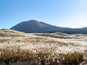 Exploring Mount Aso – The Largest Active Volcano in Japan