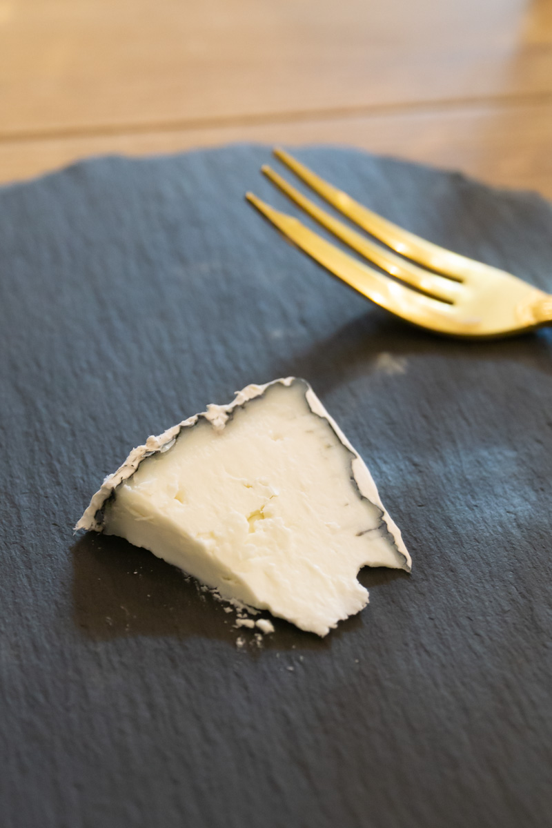 goat and cow milk cheese