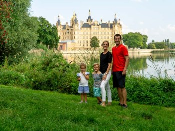 Schwerin Castle with family