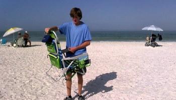 closing tommy bahama beach chair