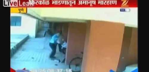 VIDEO Hombre golpe su vesino con un ladrillo tienen que verlo Man brutally attacks neighbor
