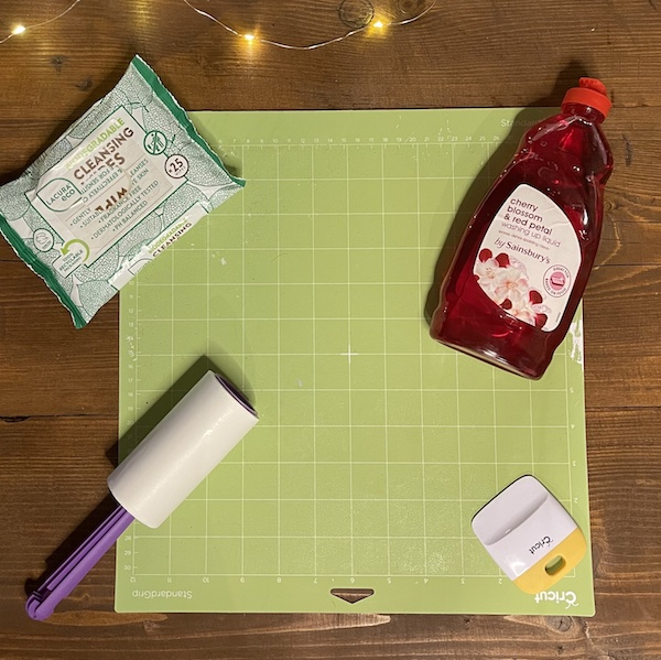 products for cleaning your cricut mat