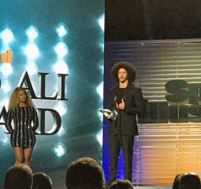 Watch: Beyoncé Surprises & Presents Colin Kaepernick with Sports Illustrated's Muhammad Ali Legacy Award in Brooklyn
