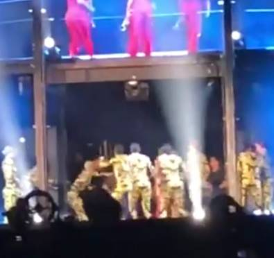 Whew Chile, The Ghetto: Fan Runs on Stage, Charges at The Carters During 'OTRII' Atlanta Show, Dancers Beat Him Down To Protect Jay & Bey [Video]