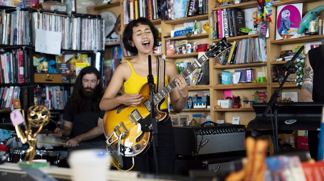 Haley Heynderickx belting out her first tune in her band's NPR Tiny Desk concert.
