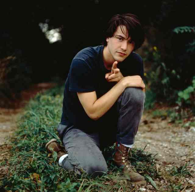 Keanu Reeves poses for a Getty Images photo shoot in 1989. Keanu Reeves tragic past.