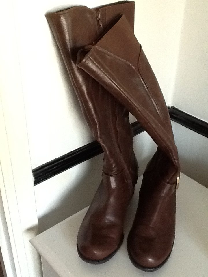 These brown boots are one of the purchases I regret buying this year. Click to see why.