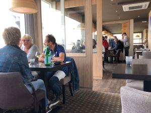 Le restaurant Beau-Site, sur la digue de Cabourg ©Joli.Voyage