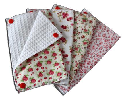 Lot essuies tout lavables, motifs fleurs rouges