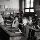 R-Doisneau fotója. Iskola, tankönyv, gondolkozás