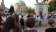 Tüntetés Pécsett a menekültek ügyében