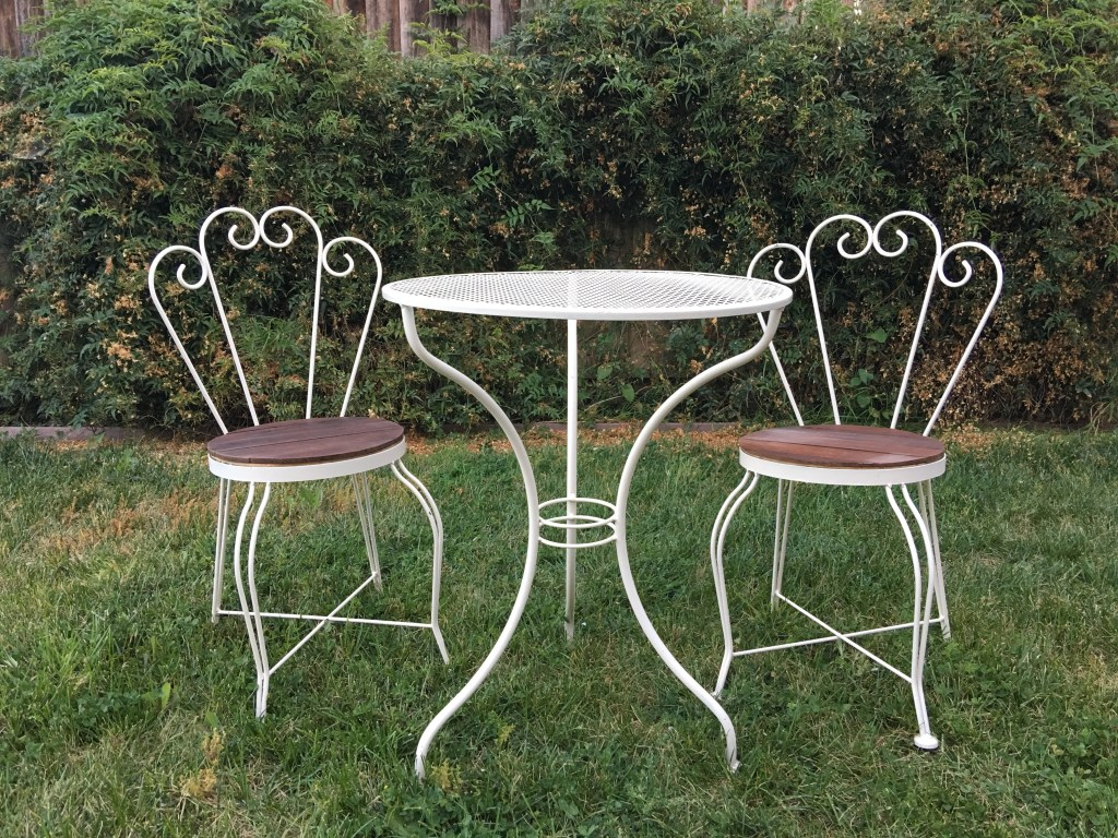 Patio Furniture Refresh Jolly & Happy