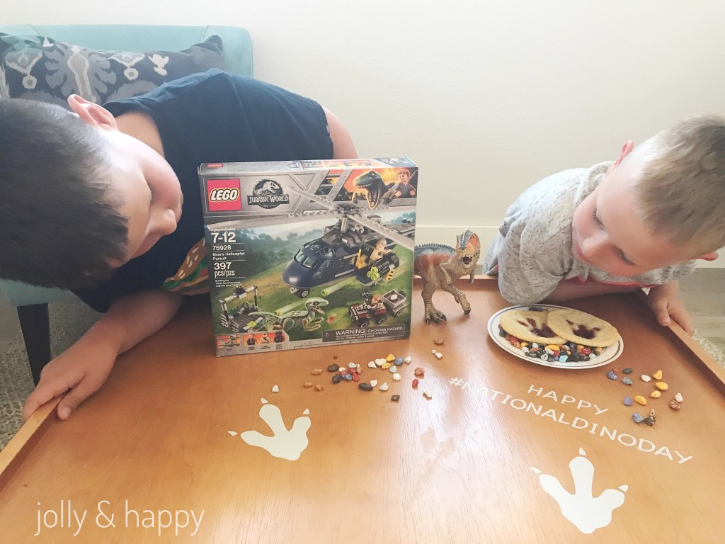 Curious what fun things are inside Lego Jurassic World set