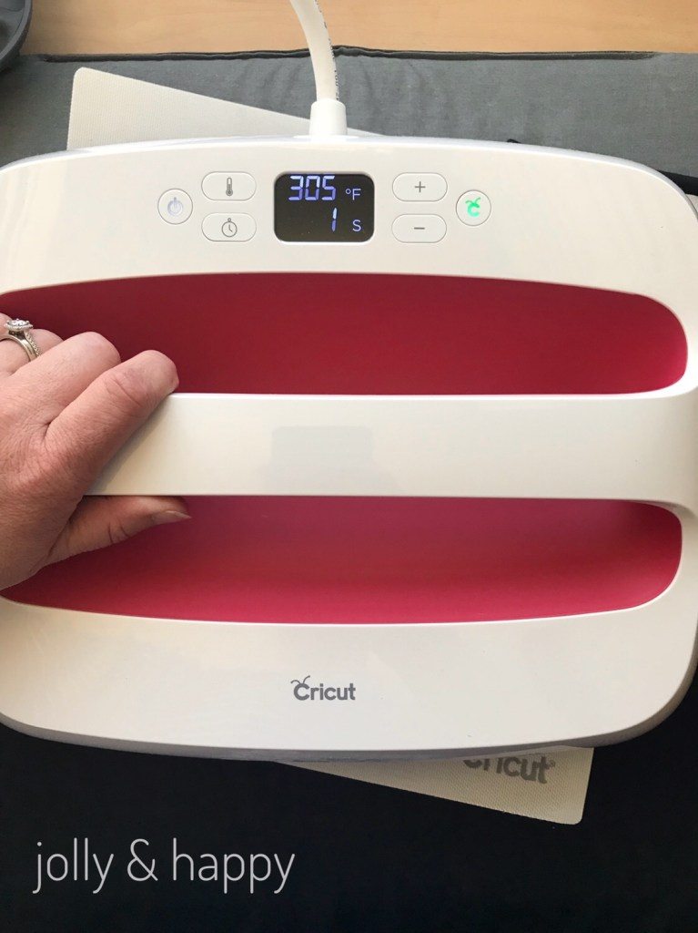 Cricut EasyPress 2 for Iron on Halloween costumes