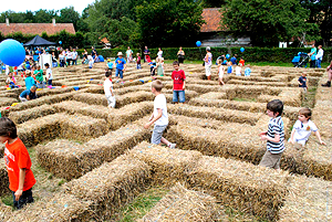 jommekesdag-strohlabyrinth2_01