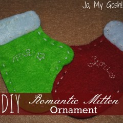 Felt romantic mitten Christmas ornament-- free template and directions included.