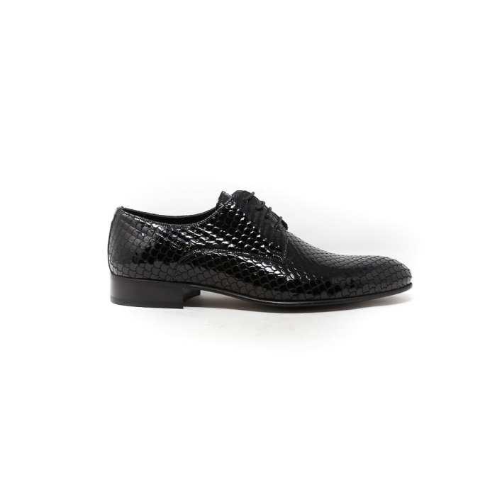 Men classic shoes