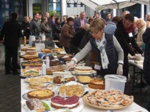 jona-kuchenbuffet(Sören Helge Zaschke)