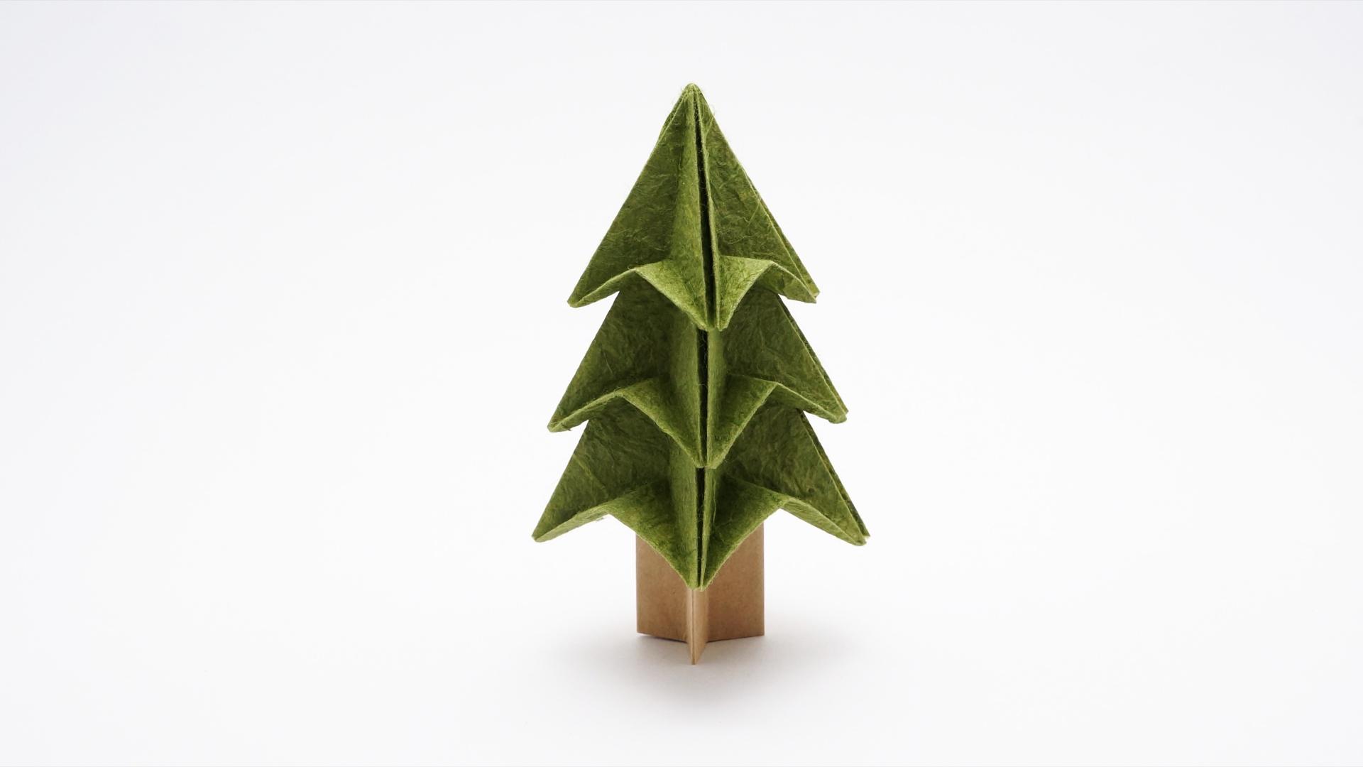 Origami Christmas.Easy Origami Christmas Tree Jo Nakashima