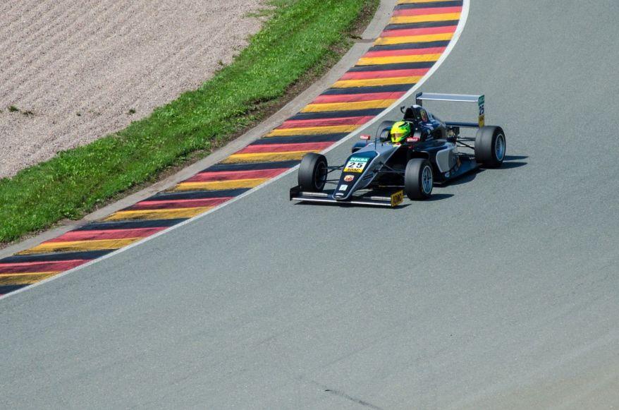 Formel-4-10