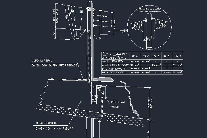 Poste padrão Copel com saída aérea e medição em muro frontal