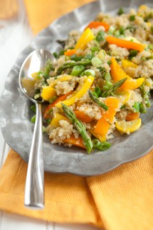 Quinoa Pilaf With Peppers and Asparagus