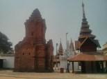 Bagan - Shwezigon pagoda 3