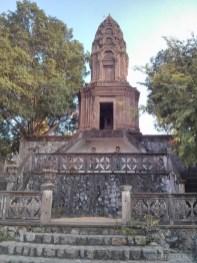 Battambang - killing cave temple 1