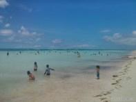 Bohol - hidden beach kids playing 1