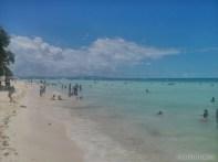 Bohol - hidden beach kids playing 3