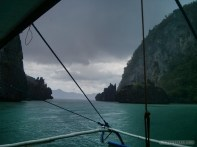 El Nido - scuba diving trip sudden rain 3