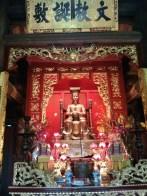 Hanoi - Temple of Literature alter 3