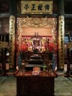 Hanoi - Temple of Literature alter 4