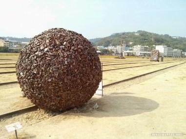 Kaohsiung - Pier 2 art junk ball