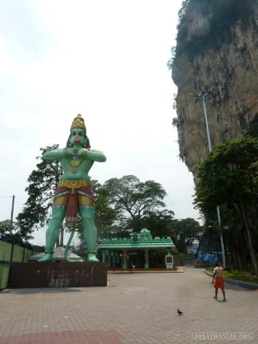 Kuala Lumpur - Batu Cave statue 1