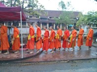 Luang Prabang - alms ceremony 5