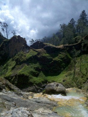 Mount Rinjani - hot springs scenery 6