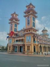 Saigon - Cao Dai temple 2