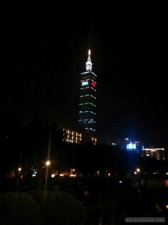 Taipei 101 New Years fireworks - before fireworks 1