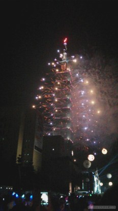 Taipei 101 New Years fireworks - fireworks 6